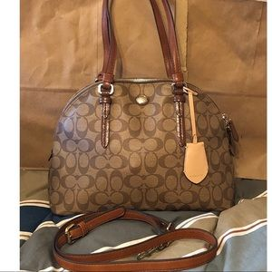 Cute Coach dome bag with crossbody strap